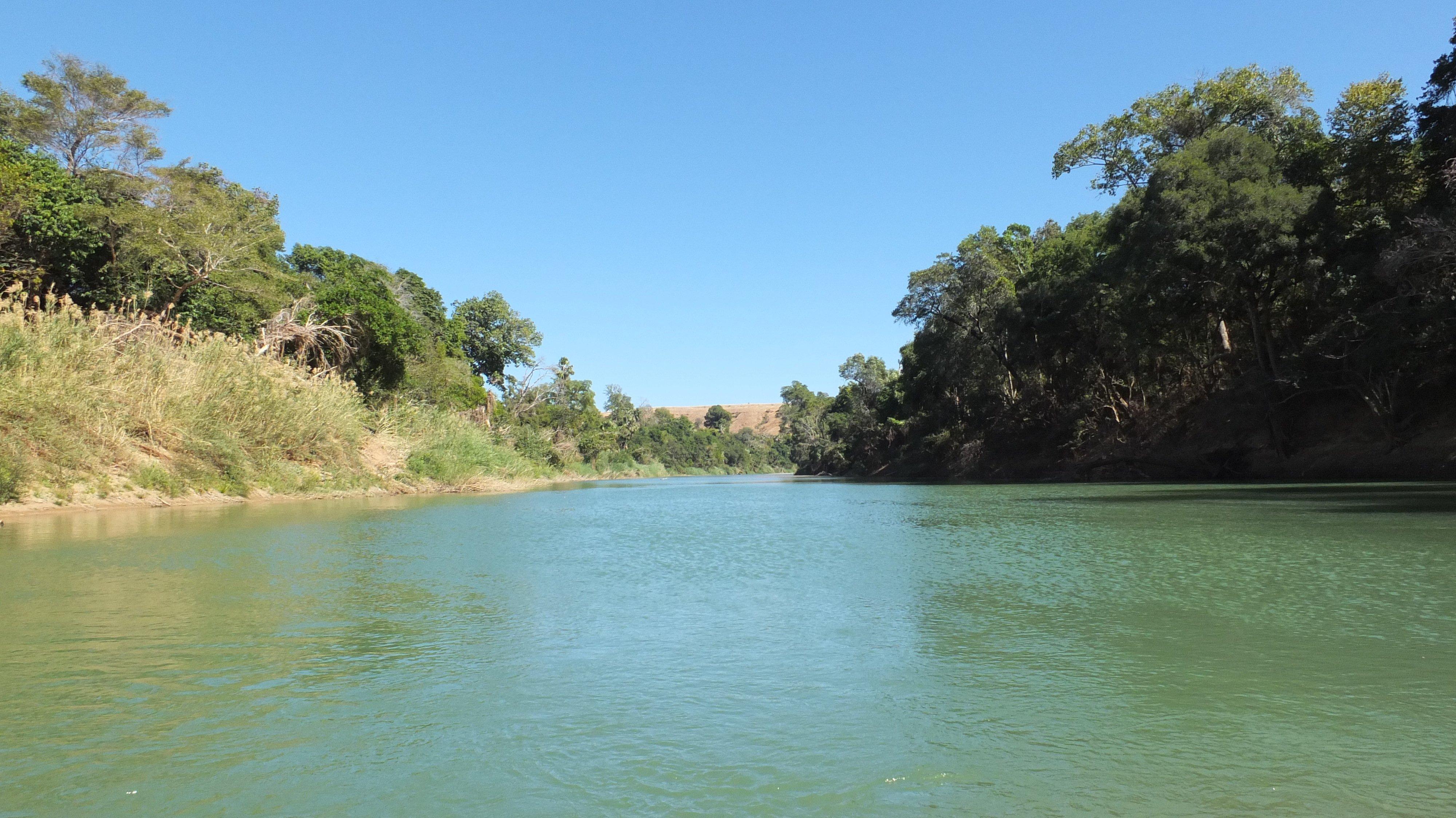 Aspinall 2020 07 Anaboazo river in Ambatomasina part by Lucien Randrianarimanana