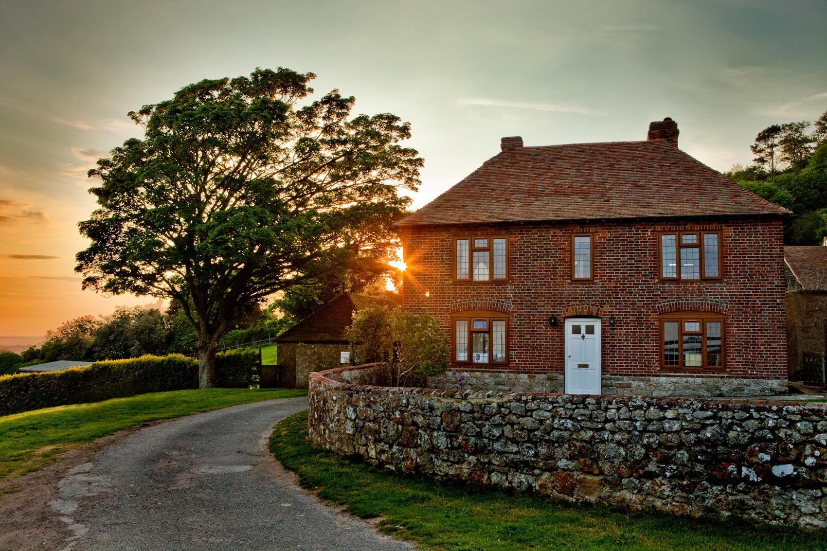 SHORT-BREAKS_Livingstone-Cottage (1)